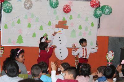 Коледно тържество на децата от ПГ  - Изображение 2