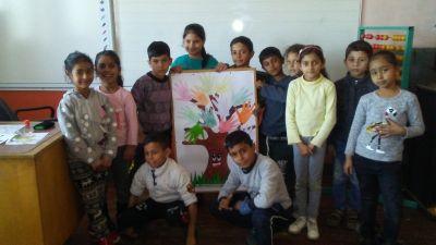 """Учениците от ЦДО 1 група изработиха """"Дърво на приятелството"""" - Изображение 2"""