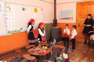 Децата от ПГ посрещнаха Баба Марта - Изображение 3