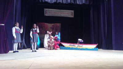 """Учениците от клуб """"Малките артисти"""" участваха в Осмия ученически театрален фестивал """"Арлекин"""" - Изображение 3"""