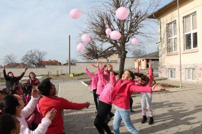 """""""Ден на розовата фанелка"""" - Изображение 4"""